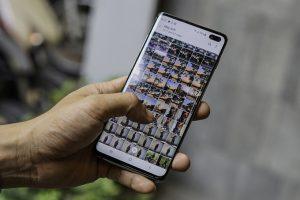 Smartphone giảm giá tiền triệu trước Tết